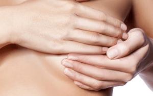 Чешуйки в области сосков у женщин: этиология, особенности проявления и способы лечения