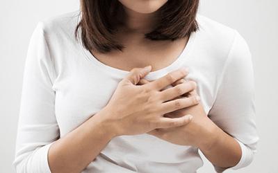 белые чешуйки в области сосков заболевания