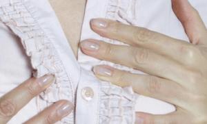 Волосы на грудях у женщин: причины, удаление