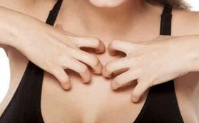 чешется грудь у женщин